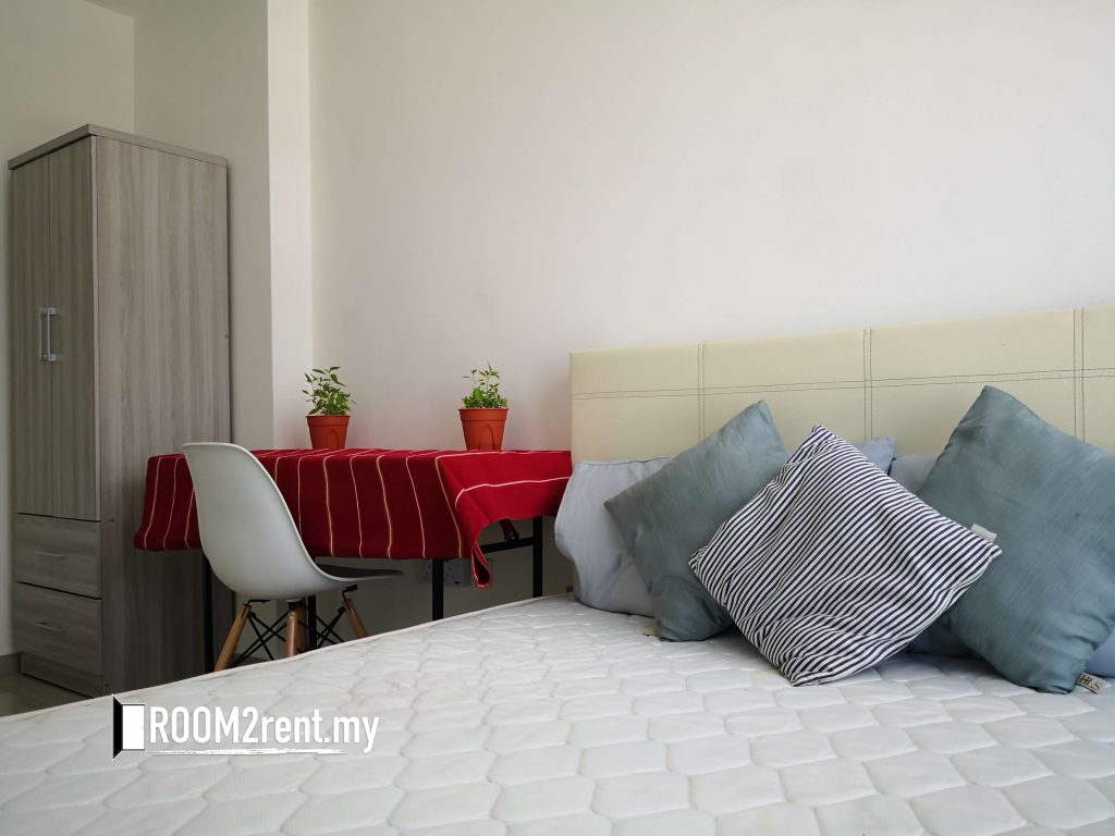 rooms or apartments for rent,
